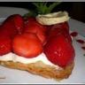 Fine croûte aux fraises et crème légère au chocolat blanc