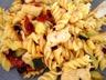 Fusilli sautées poulet courgettes et tomates séchées