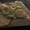 Galette de blé noir à la fondue de poireaux et aux noix de St Jacques crème à la ciboulette