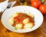 Gnocchis de pommes de terre et sauce aux tomates fraîches