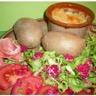 Langres rôti avec sa salade ses framboises et ses pommes de terre au four