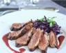 Magrets rôtis au gingembre compotée de chou rouge à la bière sauce aux griottes