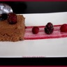 Marquise chocolat et coulis fruits rouges