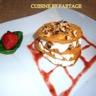 Mille-feuilles de roquefort et noix coulis fraise basilic