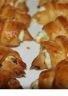 Mini-croissants au saumon fumé fromage frais et ciboulette