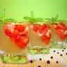 Mini verrines épicées : gelée de rhubarbe vanillée et tartre de fraise au poivre Malabar