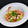 Nage safranée de poisson crevettes impériales chorizo et coriandre au bouillon Ariaké