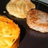 Noisettes de chevreuil tarte tatin de poire et purée de potimarron façon tartiflette