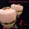 Panna cotta au chocolat blanc chiboust à la fraise et à la pistache