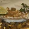 Papillote de dos de cabillaud aux épices 'tajine' aubergines-confit d'oignons et pignons de pin