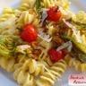 Pasta à la crème de courgette safranée fleurs et tomates cerises
