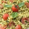 Pâtes au pesto et aux tomates cerises