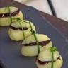 Petite bouchée festive de pomme de terre Princesse amandine® à la tapenade ou à la purée de truffe