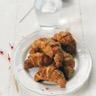 Petits croissants au jambon et sauce barbecue