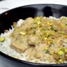 Piccata de veau sauce crémeuse aux chicons roquefort et pistaches