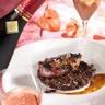 Pigeon mariné aux épices quiona au beurre noisette avec un champagne de vigneron millésimé