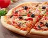 Pizza jambon champignons et sauce tomate
