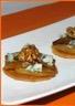 Poire caramélisée au Porto et roquefort aux noix