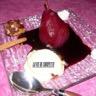 Poires pôchées au vin rouge et aux épices