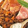 Poitrine de porc rôtie sauce bleu et lentilles