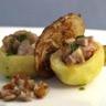 Pommes de terre épicées farcies à la tête de veau et jus de persil
