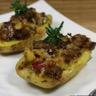 Pommes de terre farcies aux champignons de Paris aubergines grillées poivrons rouges Cassegrain