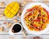 Poulet croustillant à la noix de coco avec salsa à la mangue
