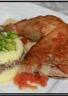 Poulet farci (aux foies de volailles et veau)  purée mousseline maison et fèves