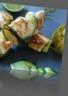 Poulet mariné au citron vert en brochette de romarin quinoa au curcuma tagliat