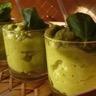 Purée glacée de brocolis au pesto