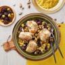 Râbles de lapin aux olives vertes pruneaux et amandes