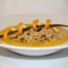 Raviole de saumon à la vanille velouté de patate douce à l'orange émietté de crumble noisettes ...