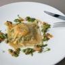 Raviole de saumon de Norvège et épinards