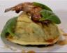 Raviolo de caille confite crémeux de céleri et vinaigre de framboises
