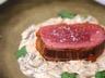Rôti de boeuf au four sauce aux champignons et pesto rouge