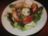 Salade au chèvre et aux pommes caramélisées
