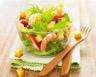 Salade aux dès de quatre-quarts caramélisés
