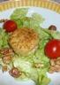 Salade chèvre chaud noix et noisettes