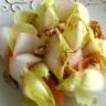 Salade d'endive aux noix et au saumon fumé