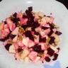 Salade de betteraves aux pommes et aux noix