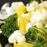 Salade de broccoli chou-fleur et huile à l'orange