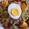 Salade de farfalle à la tomate et aux épinards
