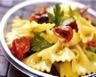Salade de farfalles aux tomates confites