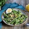 Salade de haricots verts et asperges vinaigrette à la sauce soja sucrée