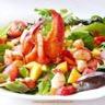 Salade de homard et crevettes à la vinaigrette de framboise et fraise