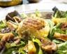 Salade de mesclun aux crottins de chèvre chauds