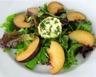 Salade de mesclun et chèvre mariné