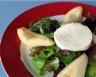 Salade de mesclun et poires au chèvre