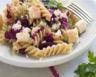 Salade de pâtes au pesto de betterave et à la feta