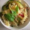 Salade de pâtes aux courgettes caramélisées